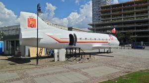 Samolot nie zniknął z placu Defilad. W przyszłej restauracji praca wre