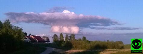 Chmura jak grzyb atomowy na olsztyńskim niebie